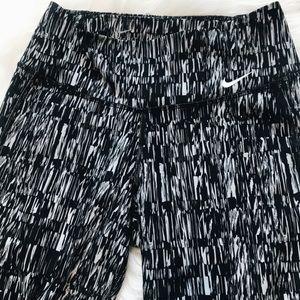 Nike Pants - Nike Dri-Fit Patterned Capri Leggings XS